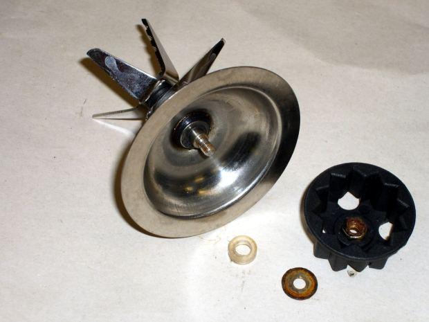 Blender blade bearing repair