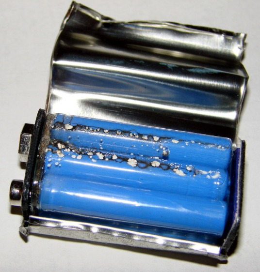 Inside a batteries.com 9V battery