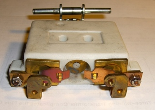 Rheostat full-speed contacts