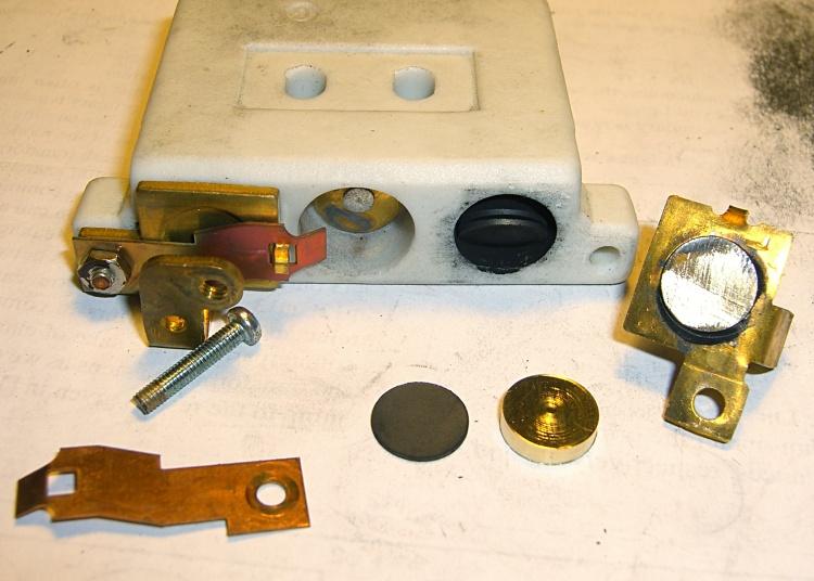 Rheostat with brass spacer button