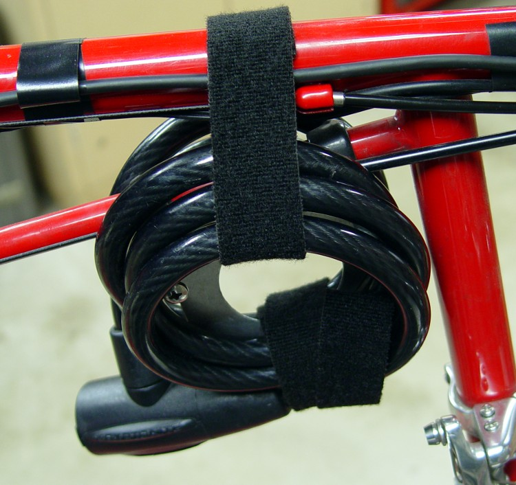 Tour Easy Coily Lock Holder The Smell Of Molten Projects In The