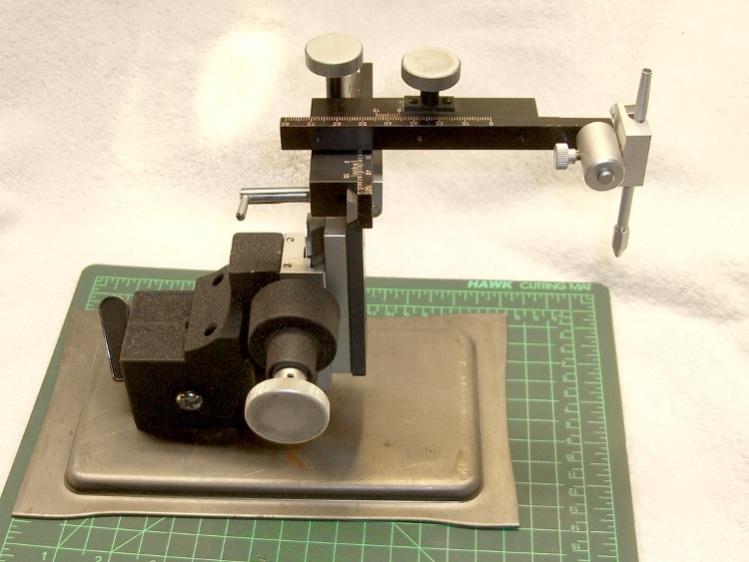 Micropositioner
