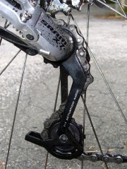 Misrouted chain in rear derailleur