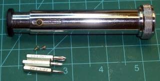 Spectrometer with locking screw