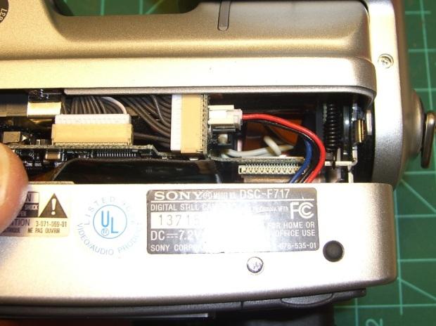 DSC-F717 internal power cable