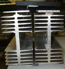 Heatsink mounting flanges
