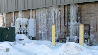Ice flow across wall