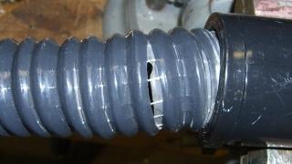 Splitting vacuum hose