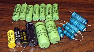 Ampeg capacitors