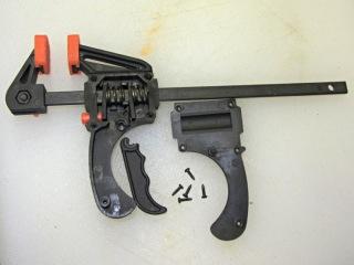 Bar clamp with broken handle