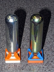 CO2 capsules with multicolored fins