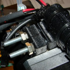 M2 - Extruder motor clamp - 10-32 screws