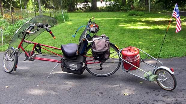 Tour Easy BOB Yak - Gasoline can