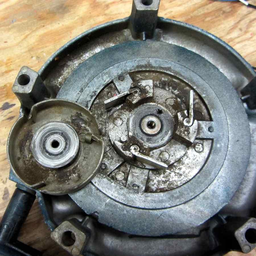 Leaf blower recoil starter