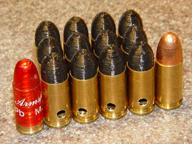 Dummy 9 mm Luger cartridges