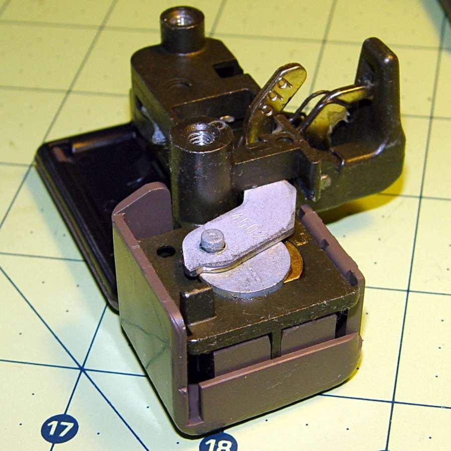 Glove box latch