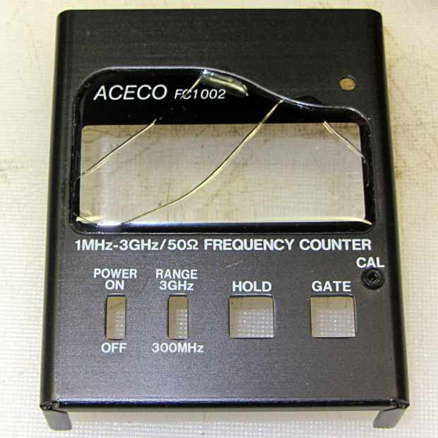 FC1002 Frequency Counter - cracked plastic