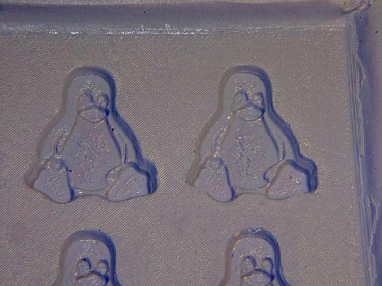 Tux 2x2 mold - negative detail