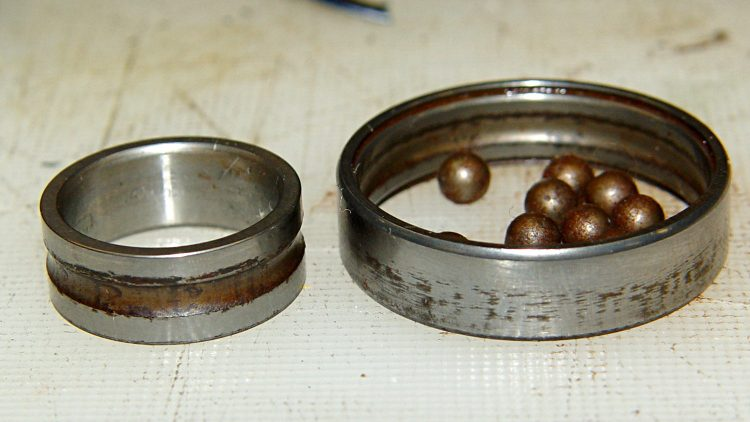 Phil Wood axle bearing - disassembled