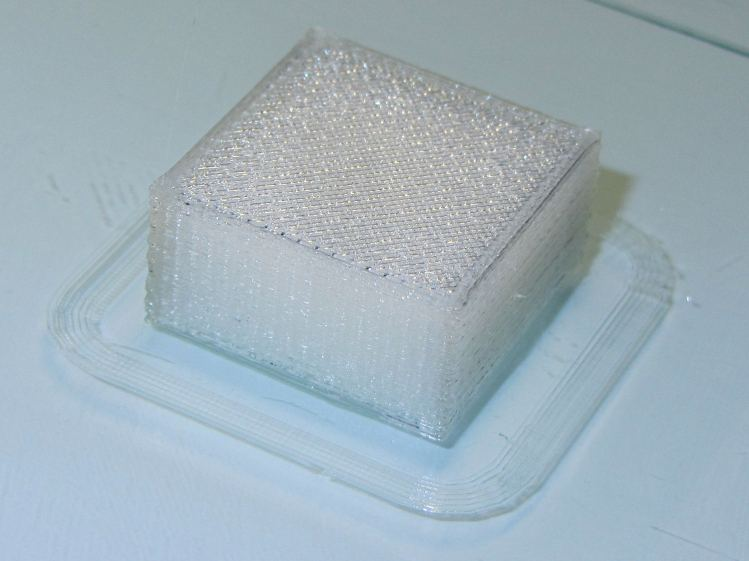 Solid cube - thin top infill - on platform