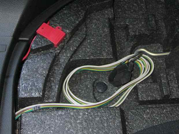 Forest trailer hitch - wiring in cargo compartment