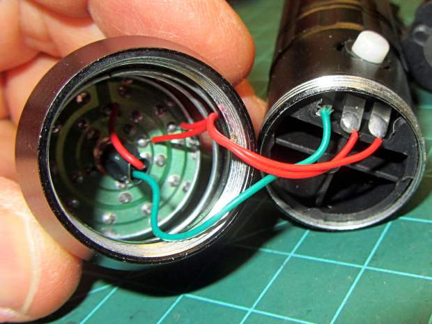 Flashlight switch - internal wiring
