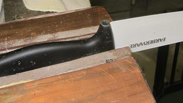 Farberware ceramic knife - trimmed handle