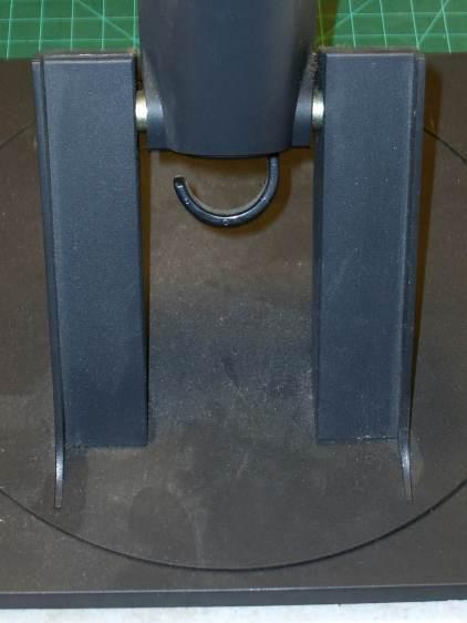 L191p Monitor Stand - struts intact