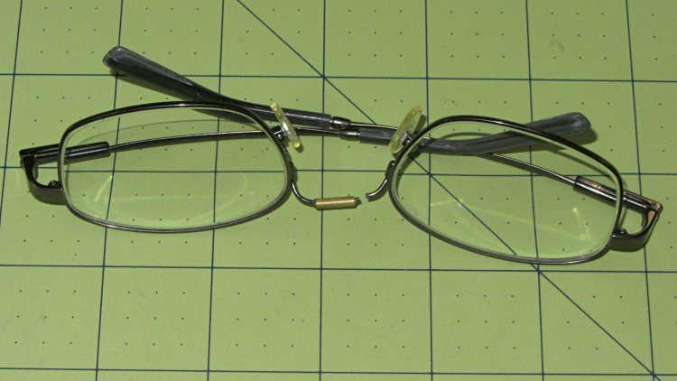 Eyeglasses - broken nose bridge wire