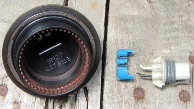 Sienna ABS failure - sensor head disassembly