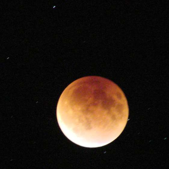 Supermoon eclipse 2015-09-27 2308 - ISO 1000 4 s