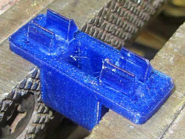 Throttle knob - glued latches