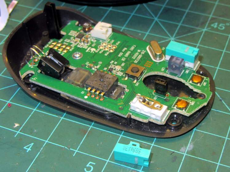 Logitech M305 mouse - switch disassembly