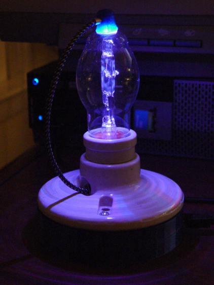 Vacuum Tube LEDs - halogen lamp - purple phase