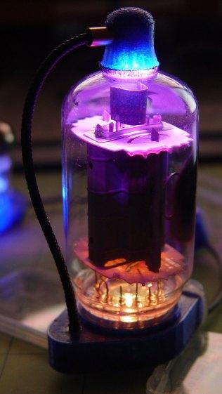 Vacuum Tube LEDs - IBM 21HB5A Beam Power Tube - violet amber phase