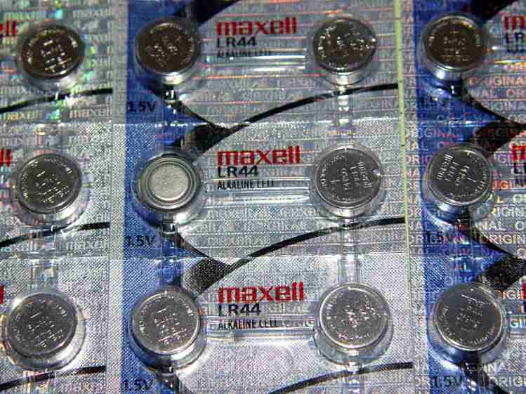 Maxell LR44 cells - flipped cell