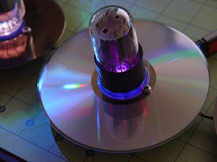 Octal socket in CD - LED diffraction