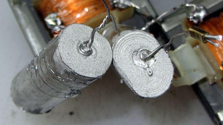 Fluorescent Shoplights - capacitor termination