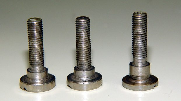 Kenmore 158.17032 - Handwheel clutch screws