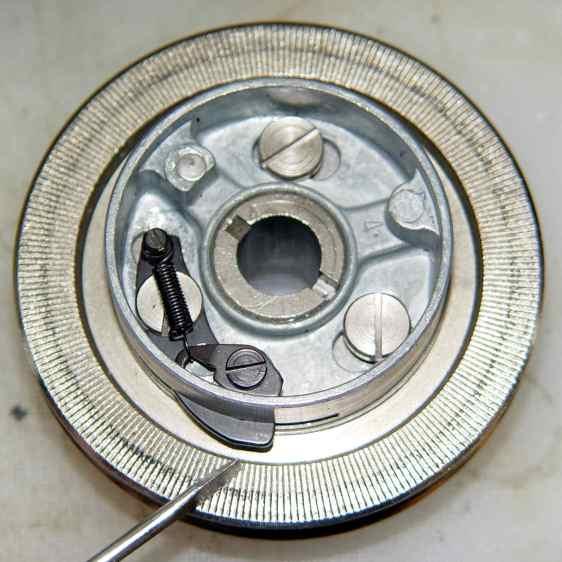Kenmore 158.17032 - Handwheel clutch tab