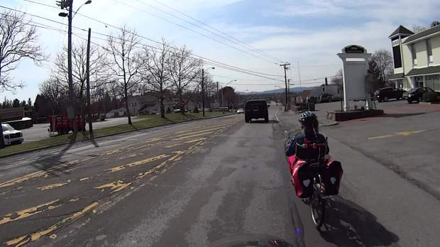 Rt 44 at 695 - H2 Overtaking - front camera - 0369