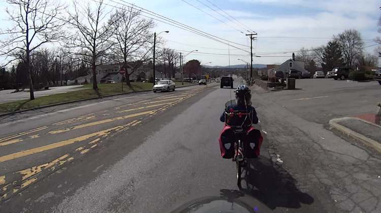 Rt 44 at 695 - H2 Overtaking - front camera - 0489