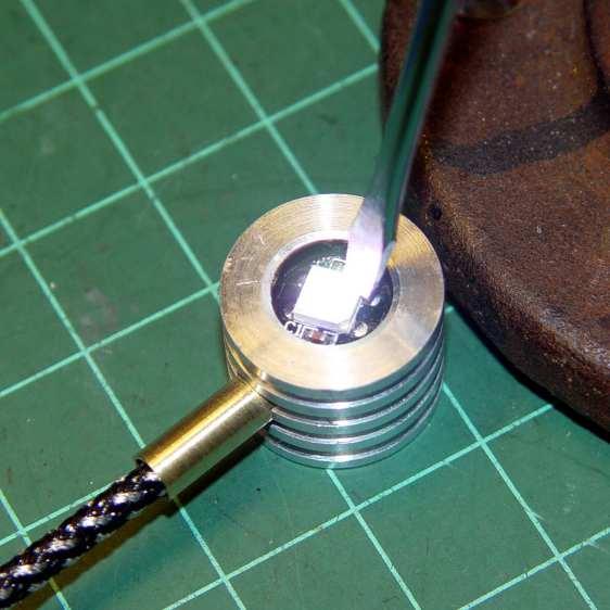Ersatz aluminum heatsink - epoxying LED