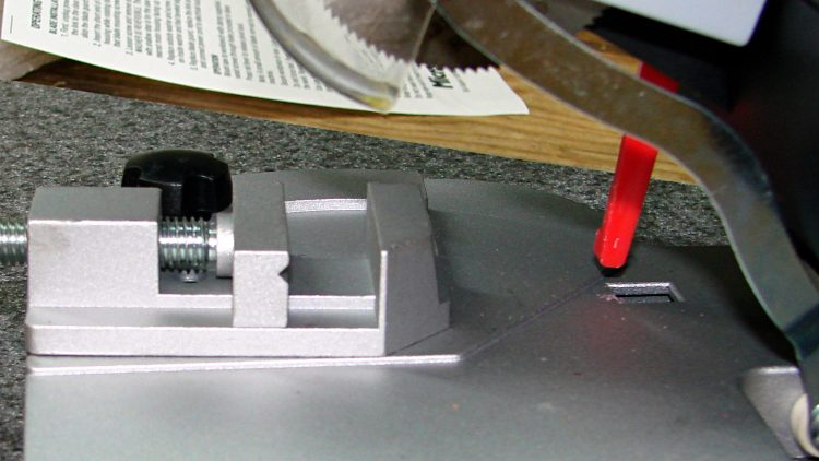 Micro-Mark Cutoff Saw - vise side view