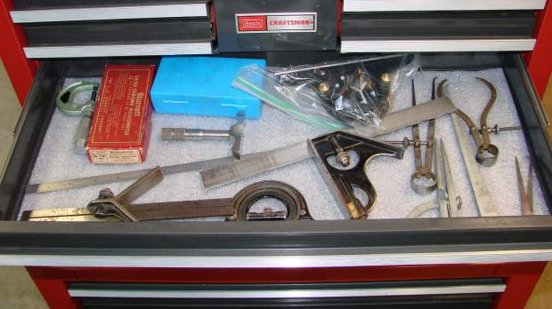 Foam-lined tool drawer