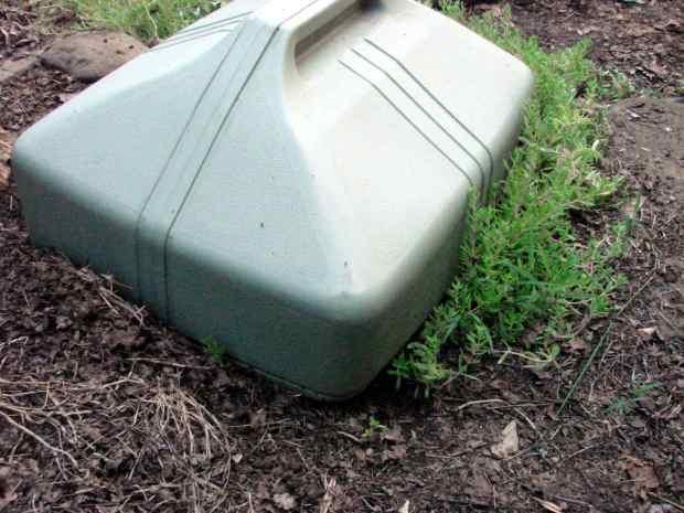 Garden shelter - rear entrance