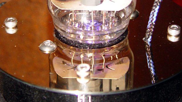 21HB5A in socket on platter - detail