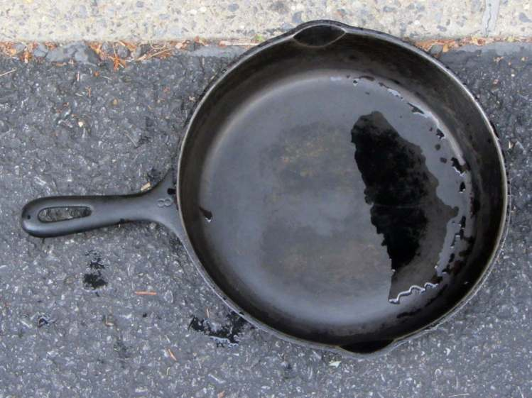 Wagner cast iron skillet - before - top