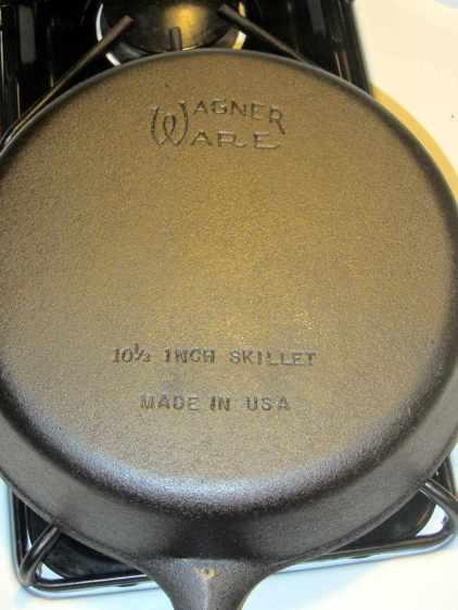 Wagner cast iron skillet - after - bottom