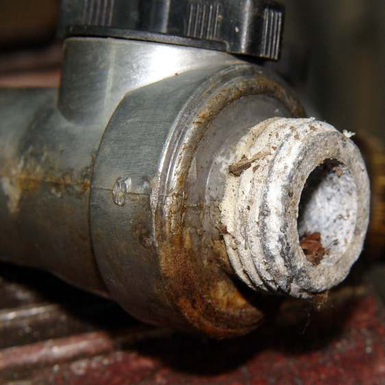 Gilmour hose Y valve - thread corrosion